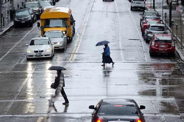 s-雨の街並み