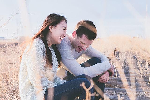 s-couple-1838940_640