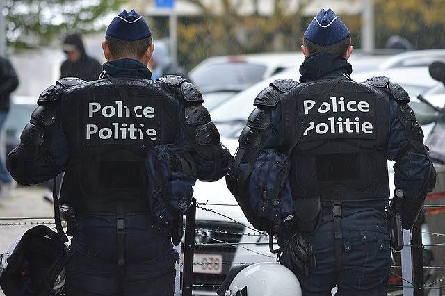 s-police-1355512_640