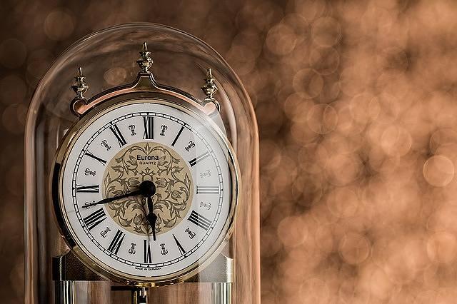 s-clock-761606_640