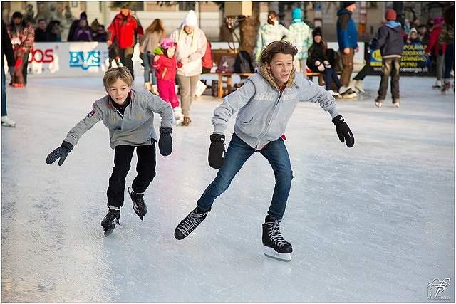 s-ice-skating-2