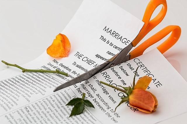 s-divorce-619195_640