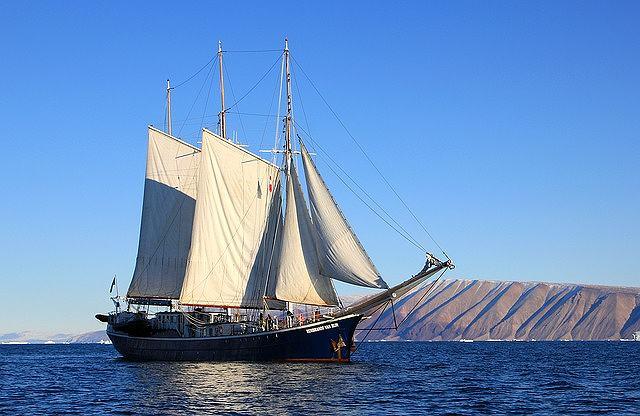 s-sailboat-40