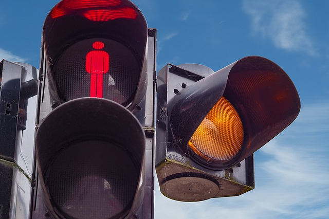 traffic-lights-1428827_640