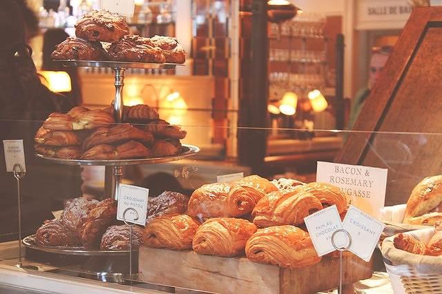s-baked-goods-1867459_640