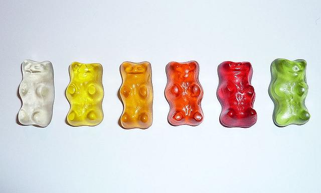 s-gummi-bears-8551_640