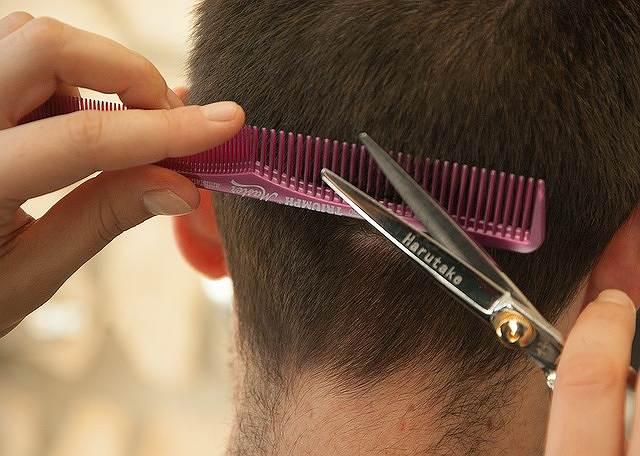 s-hairdresser-1179459_640