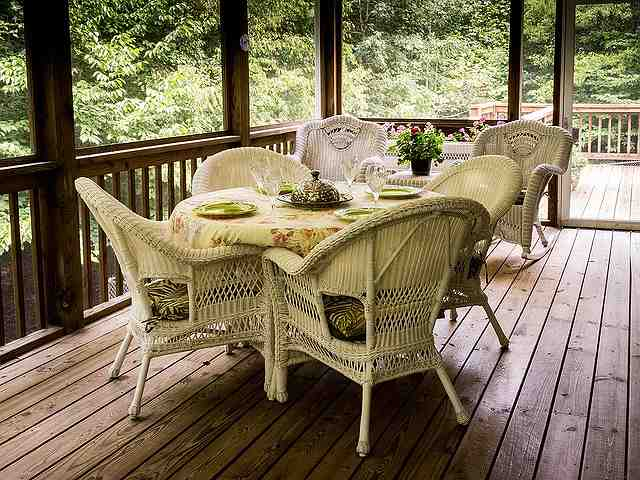 s-screened-porch-670263_640