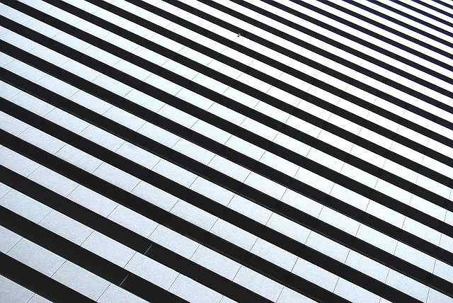 s-black-and-white-stripes-1149856_640