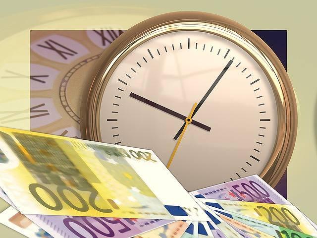 s-clock-77497_640