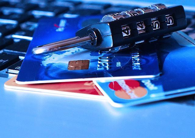 s-credit-card-1591492_640