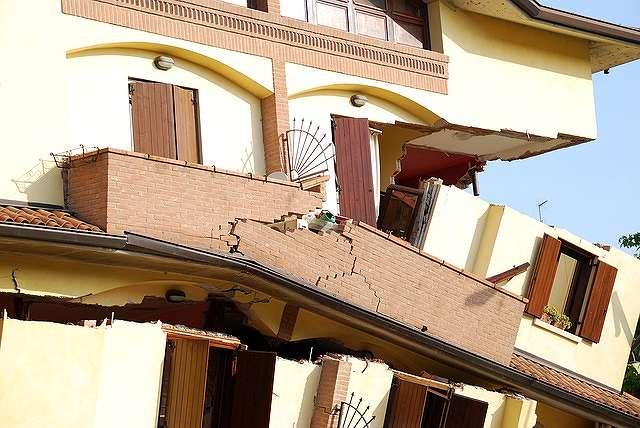s-earthquake-1651716_640