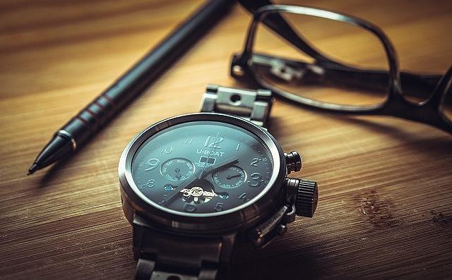 s-clock-1461689_640