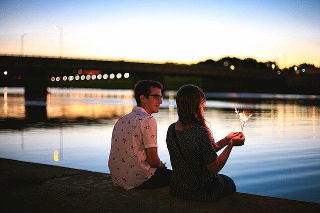 s-couple-2604197_640