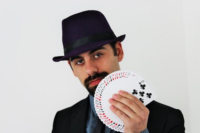 magician-859303_640