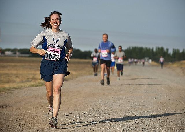 s-runner-888016_640