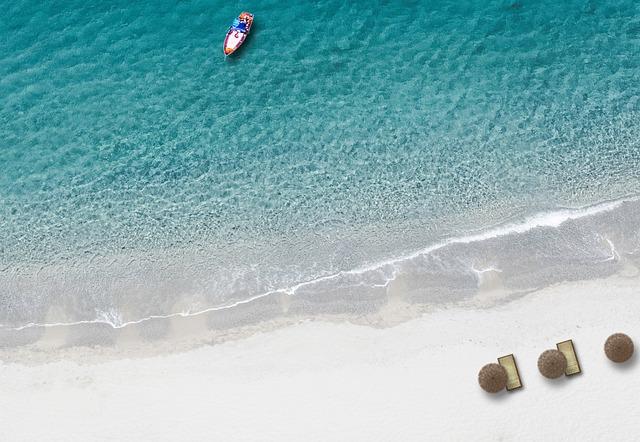 beach-1897129_640